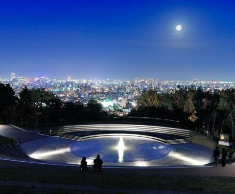 旭山記念公園の夜景 噴水のライトアップ